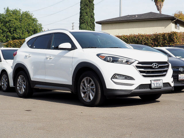 2017 Hyundai Tucson SE SE FWD Regular Unleaded I-4 2.0 L/122 [13]