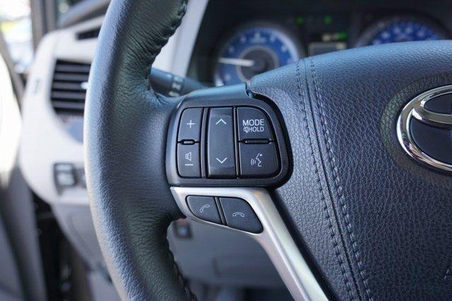 Used 2020 Toyota Sienna XLE Premium FWD 8-Passenger