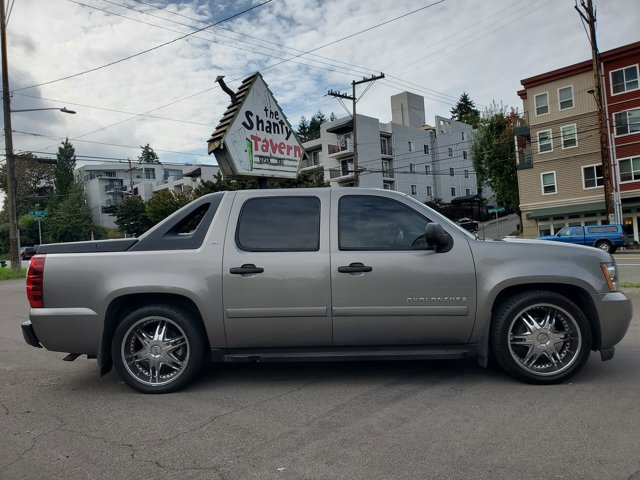 Used 2007 Chevrolet Avalanche 2WD Crew Cab 130 LS