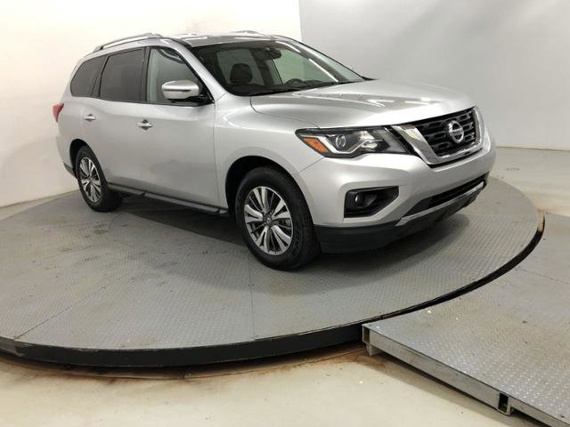 Used 2019 Nissan Pathfinder in Greenwood, IN
