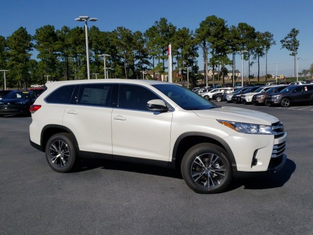 New 2019 Toyota Highlander in Daphne, AL
