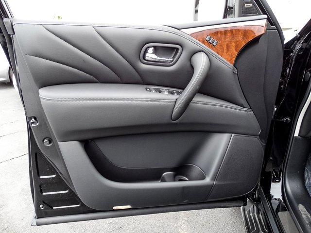 New 2016 Infiniti QX80 4WD 4dr