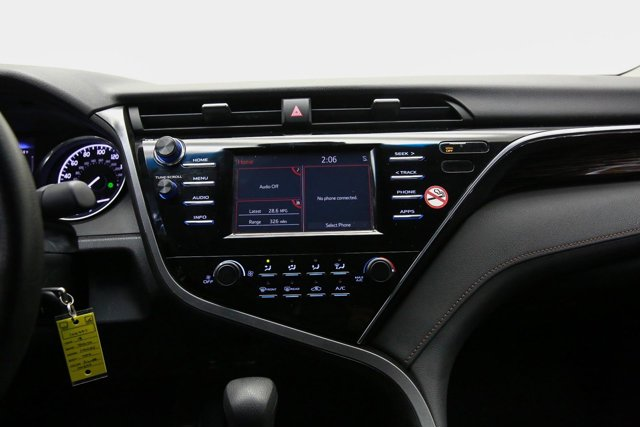 2018 Toyota Camry for sale 124297 10