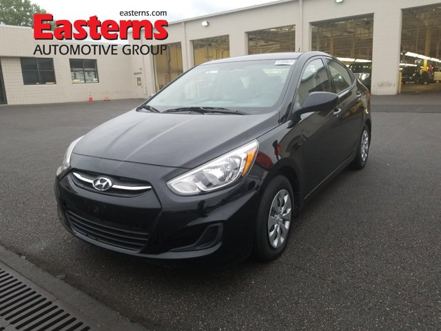 2017 Hyundai Accent SE Manual 4dr Car