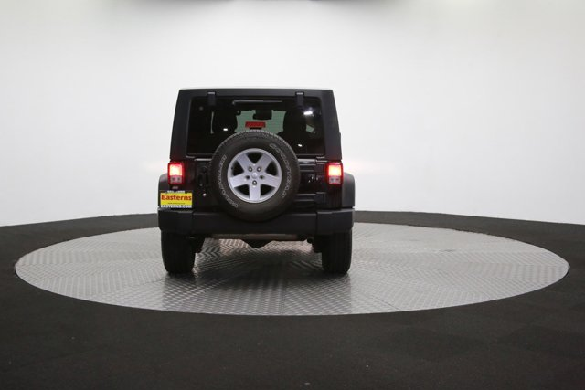 2016 Jeep Wrangler Unlimited 124726 32