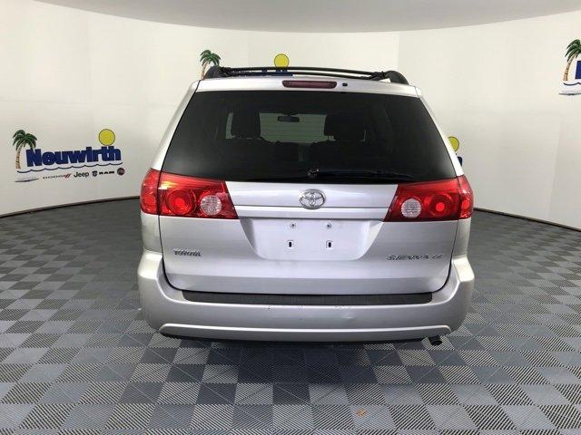 2010 Toyota Sienna CE 7-Passenger photo