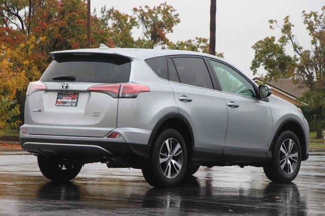 2018 Toyota RAV4 XLE 4