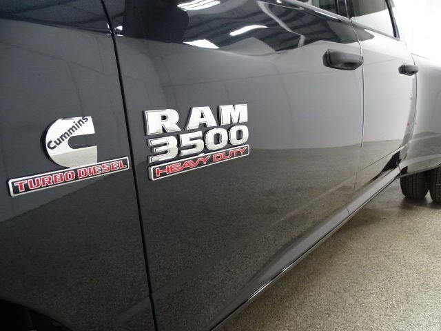 2017 RAM 3500 ST-4x4-Crew Cab-Long Box-Dually