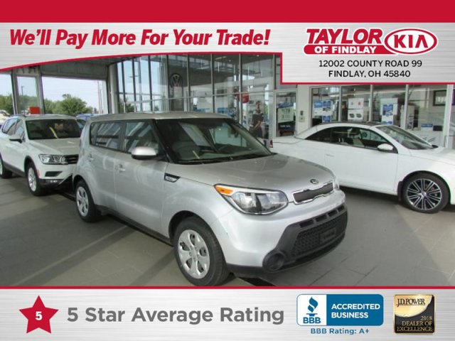 2015 Kia Soul Base GRAY 2-TONE  CLOTH SEAT TRIM CARPETED FLOOR MATS BRIGHT SILVER Front Wheel Dr