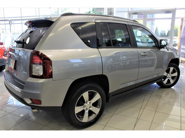 2017 Jeep Compass Latitude photo