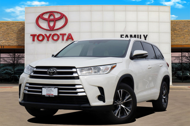 Used 2017 Toyota Highlander in Burleson, TX