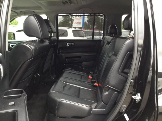 Used 2009 Honda Pilot 2WD 4dr Touring w-RES and Navi