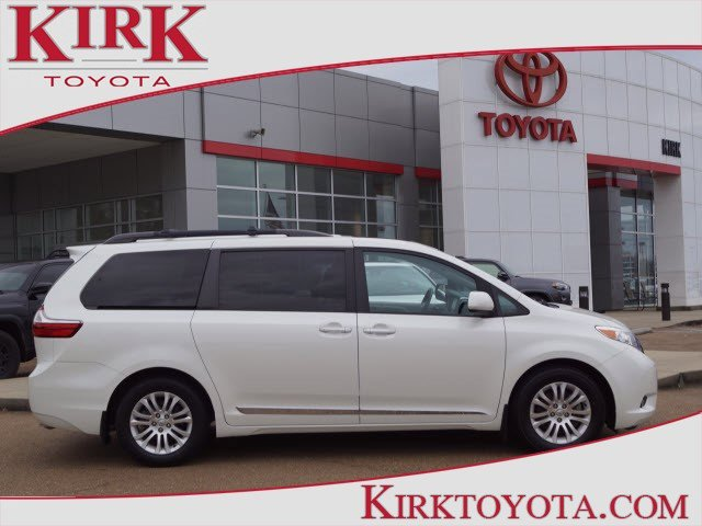 Used 2017 Toyota Sienna in Grenada, MS