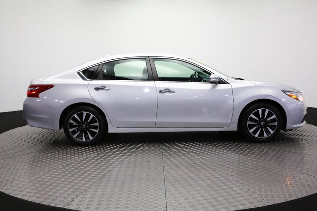 2018 Nissan Altima for sale 121375 3