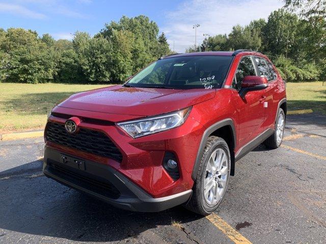 New 2019 Toyota RAV4 in Akron, OH
