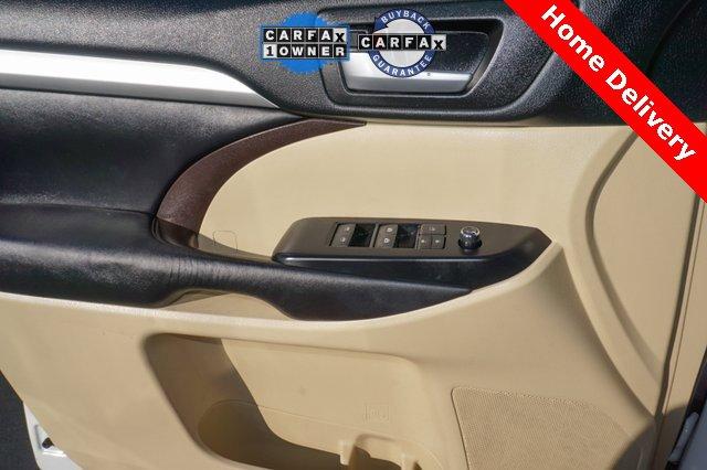 Used 2017 Toyota Highlander XLE V6 AWD