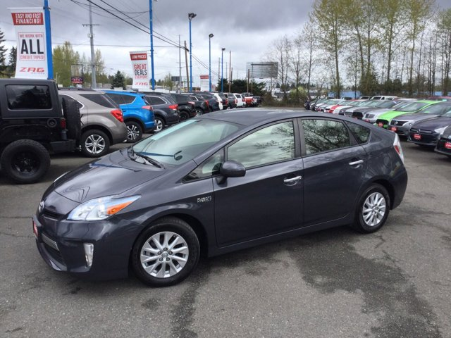 Used 2014 Toyota Prius Plug-In 5dr HB