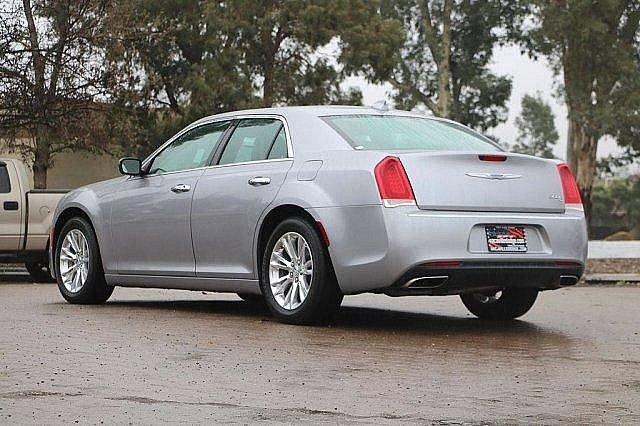 2016 Chrysler 300 300C 4