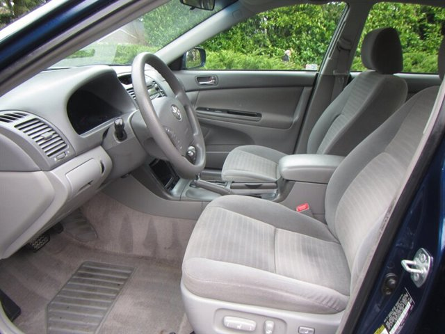 Used 2005 Toyota Camry 4dr Sdn LE Auto