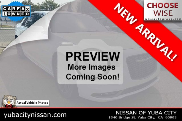 2017 Chrysler 300 300S Alloy Edition 300S Alloy Edition RWD Regular Unleaded V-6 3.6 L/220 [1]
