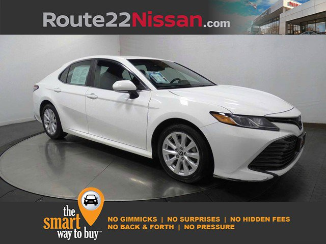 2018 Toyota Camry LE LE Auto Regular Unleaded I-4 2.5 L/152 [2]