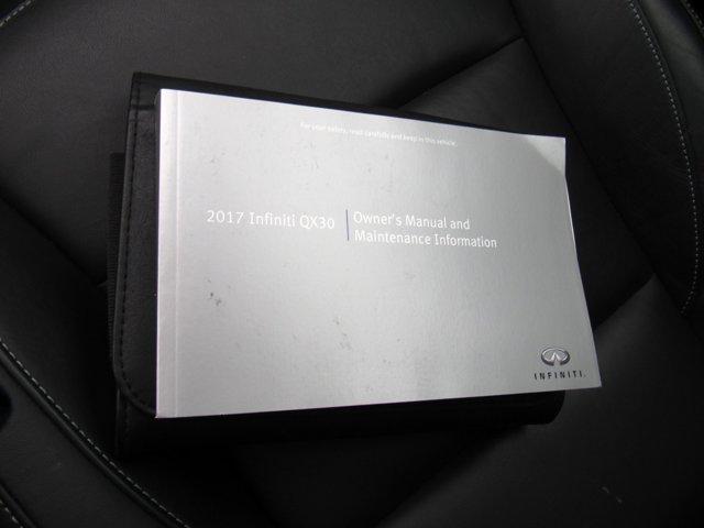 2017 INFINITI QX30 Premium 26