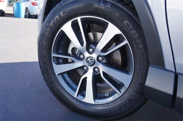 Used 2017 Toyota RAV4 XLE FWD
