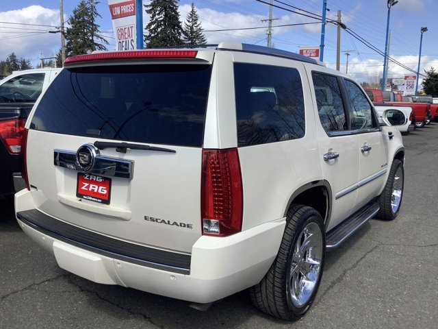 Used 2010 Cadillac Escalade AWD 4dr Luxury