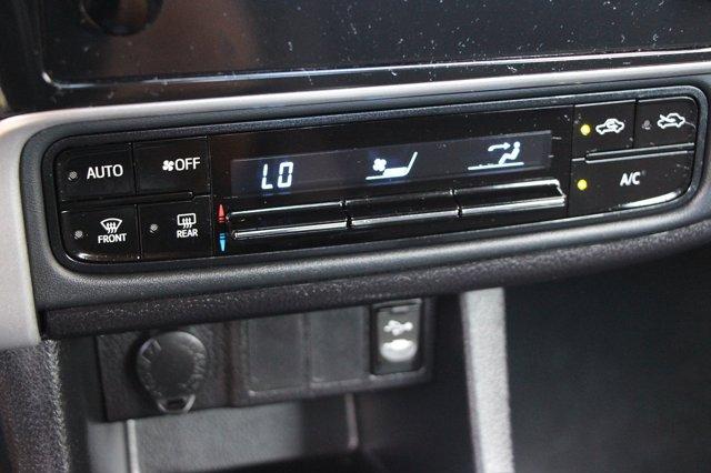 2018 Toyota Corolla LE 24