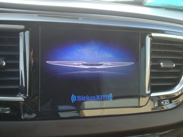 2017 Chrysler Pacifica Touring-L Plus photo