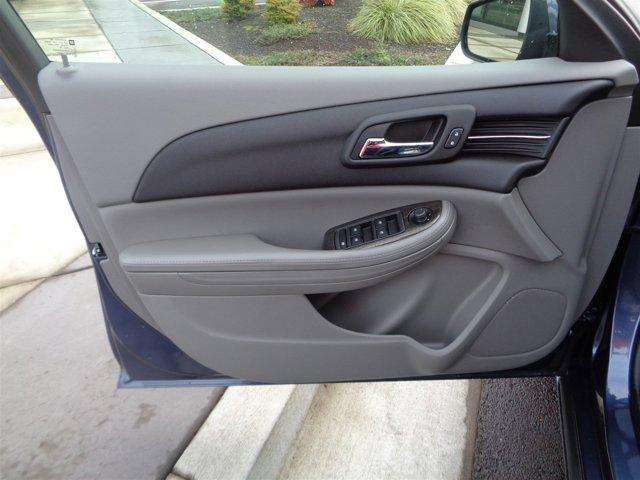 Used 2015 Chevrolet Malibu 4dr Sdn LT w-1LT