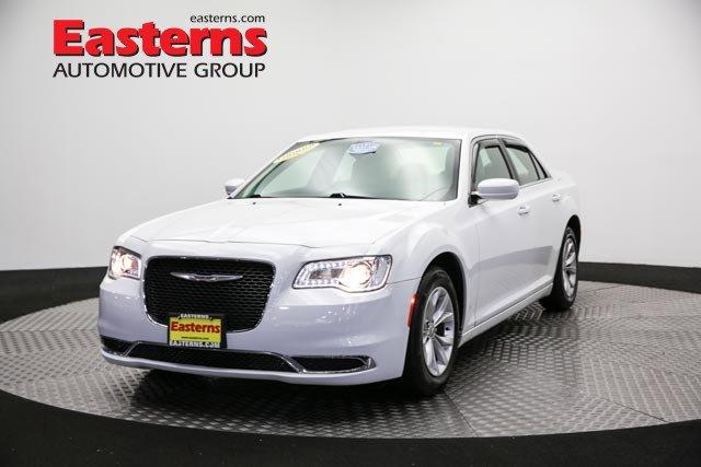 2015 Chrysler 300 Limited 4dr Car