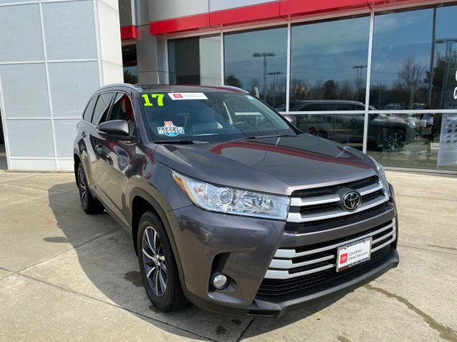 Used 2017 Toyota Highlander in Lexington Park, MD