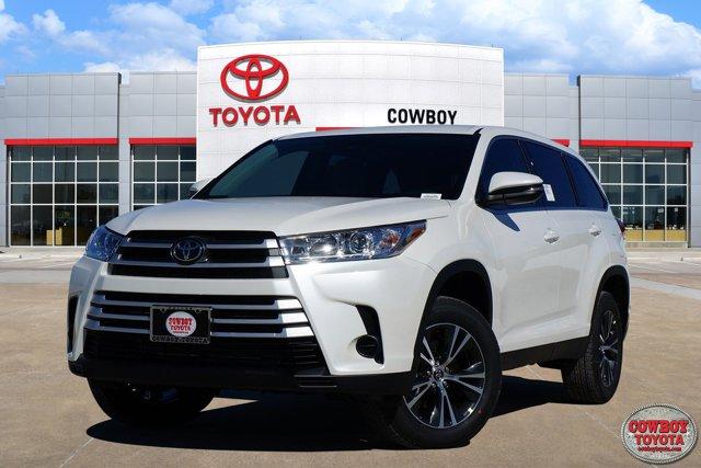 New 2019 Toyota Highlander in Dallas, TX