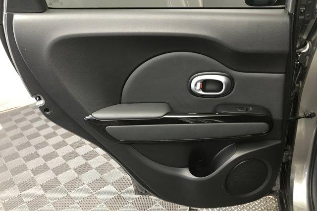 Used 2015 Kia Soul 5dr Wgn Auto +