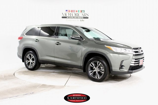 Used 2019 Toyota Highlander in Cleveland, OH