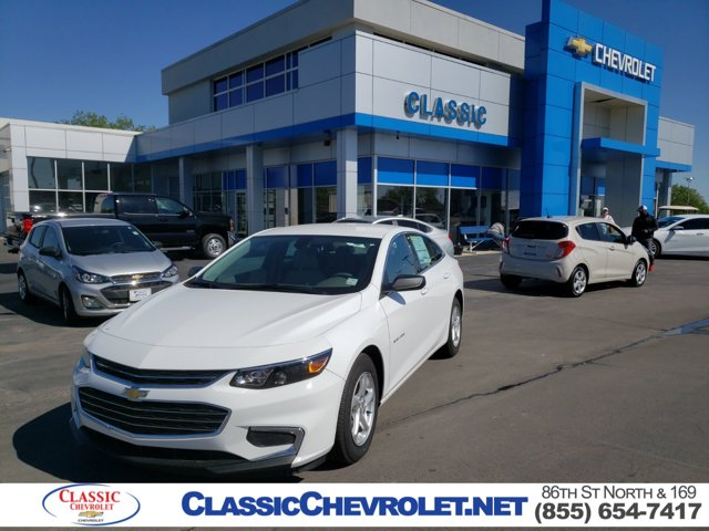 New 2018 Chevrolet Malibu in Owasso, OK