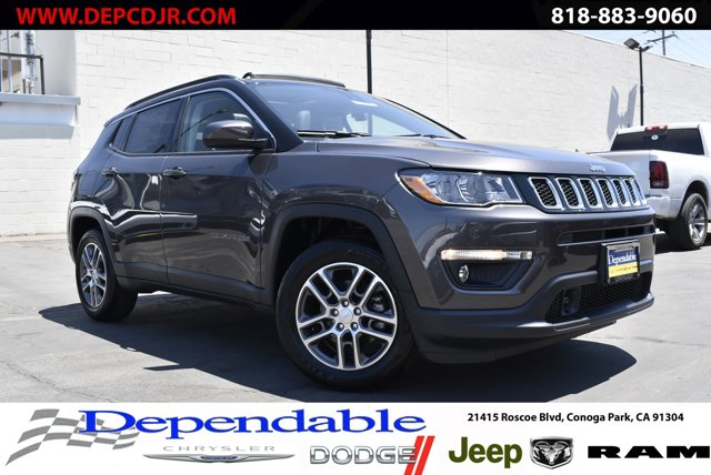 2020 Jeep Compass Latitude w/Sun/Safety Pkg Latitude w/Sun/Safety Pkg FWD Regular Unleaded I-4 2.4 L/144 [17]