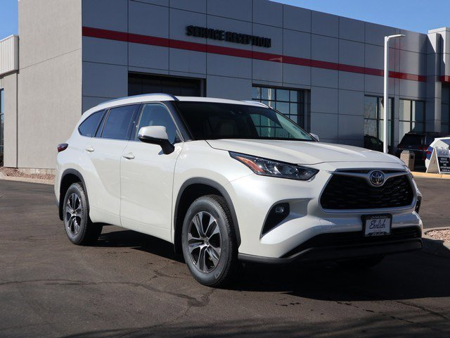 New 2020 Toyota Highlander in Greeley, CO