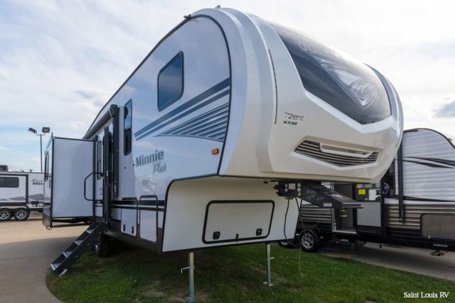 New 2020 WINNEBAGO MINNIE PLUS in St. Louis, MO