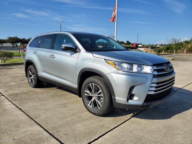 New 2019 Toyota Highlander in New Orleans, LA