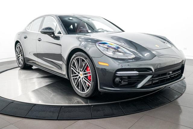 2017 Porsche Panamera GTS