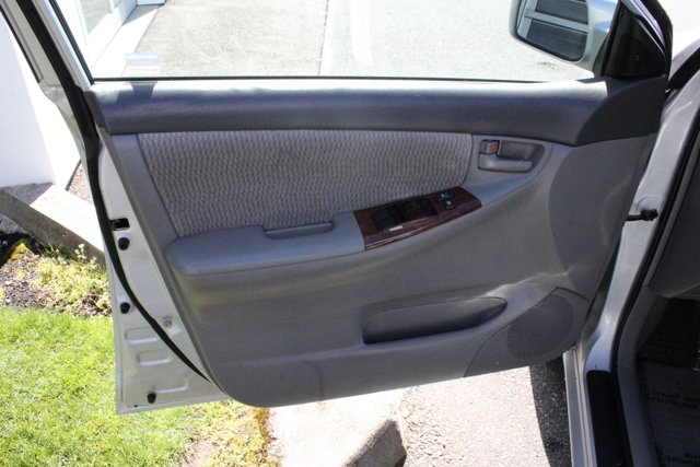 2006 Toyota Corolla 4dr Sdn LE Auto