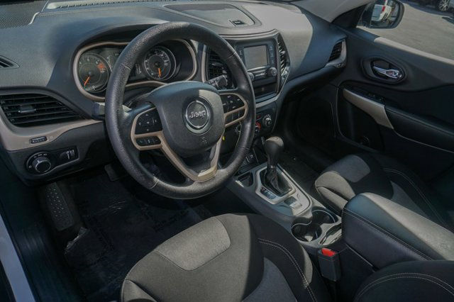 Used 2017 Jeep Cherokee Sport FWD