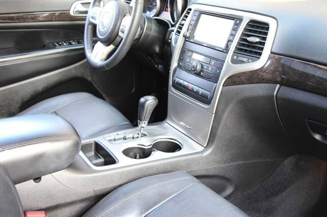 2012 Jeep Grand Cherokee Laredo 16