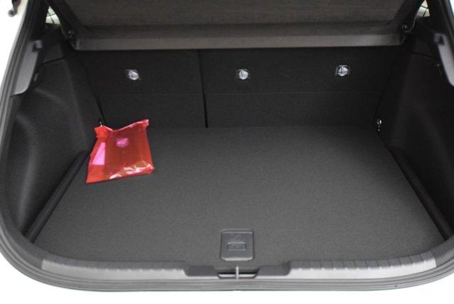 New 2020 Toyota Corolla Hatchback SE Manual