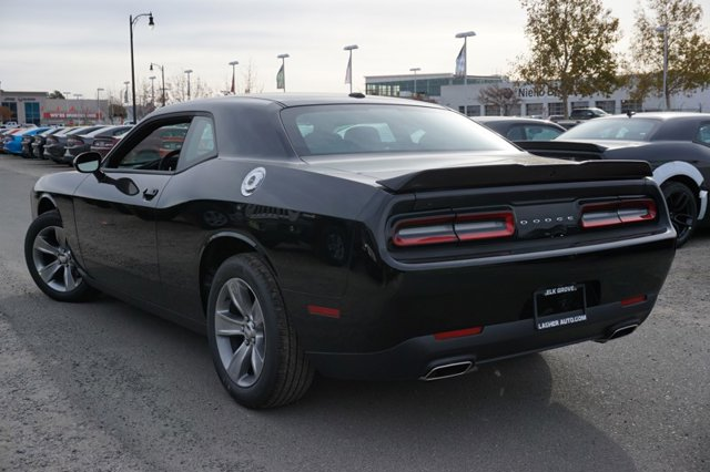 New 2019 Dodge Challenger SXT RWD
