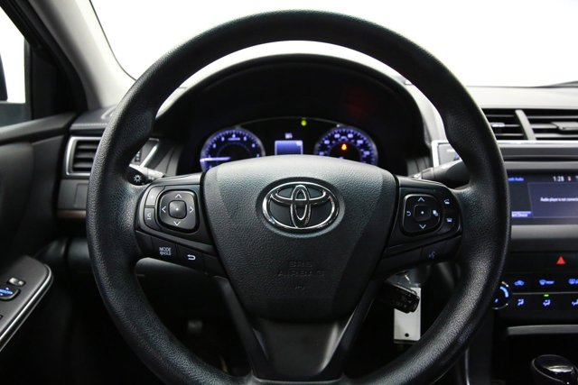 2017 Toyota Camry for sale 124354 9