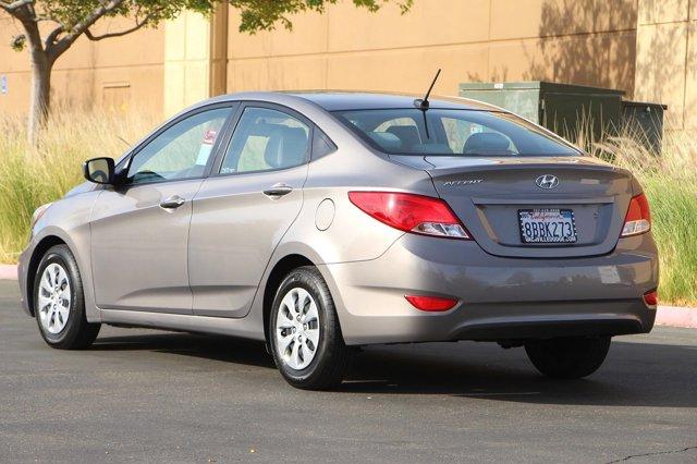 2017 Hyundai Accent SE 6