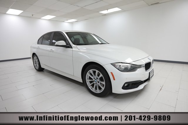 2017 BMW 3 Series 320i xDrive 320i xDrive Sedan Intercooled Turbo Premium Unleaded I-4 2.0 L/122 [10]